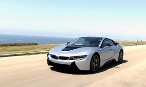 BMW i8: Hybrid-Sportwagen im Video