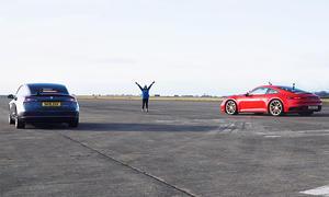 Tesla Model 3/Porsche 911 Carrera S