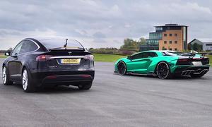 Tesla Model X vs. Lamborghini Aventador