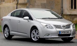 Toyota Avensis (T27)