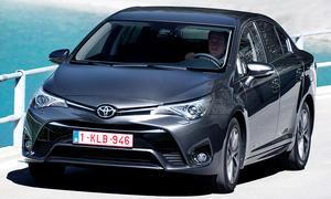 Toyota Avensis Facelift (2015)