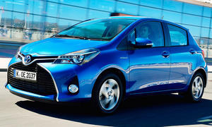 Toyota Yaris Hybrid (2014)