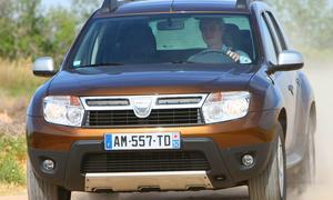 Ab 11.900 Euro steht der Dacia Duster mit dem 1,6-Liter-Benziner (105 PS) und Vorderradantrieb in der Preisliste
