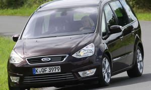 Ford Galaxy 2.0 TDCi Powershift Front