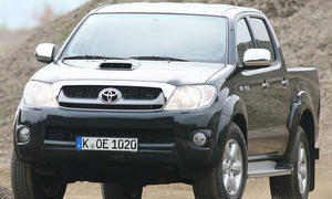 Toyota Hilux 3.0 D-4D ab 32.487 Euro