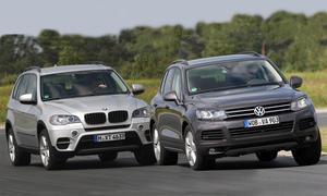 BMW X5 xDrive30d und VW Touareg V6 TDI sind echte Alleskönner