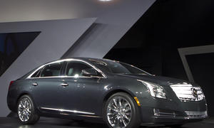 Cadillac XTS Luxury Sedan 2013 Debut LA Auto Show 2011