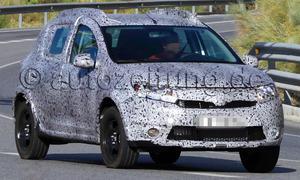 Dacia Sandero Stepway 2013 Erlkönig Kompaktklasse Crossover SUV