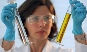 Kraftstoffforschung: neuer Sprit für weniger Verbrauch