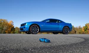 Hot Wheels Chevrolet Camaro 2012 SEMA Muscle-Car Mattel Spielzeugauto