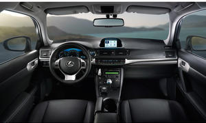 Lexus CT 200h Business Edition Hybrid Premium Cockpit Ausstattung