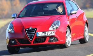 Vergleichstest Alfa Romeo Giulietta 2.0 JTDM TCT Kompaktklasse Eckdaten