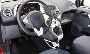 Bilder Ford Ka 1.2 2013 Vergleich Cockpit