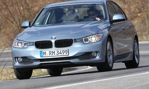 Bilder BMW 320i EfficientDynamics Edition 2013 Mittelklasse Limousine Fahrdynamik