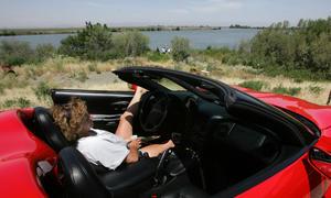 """Im Sommer """"oben ohne"""": Das Cabrio aus dem Winterschlaf holen"""
