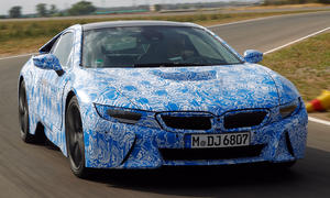 BMW i8 2014 Plug in Hybrid Elektro Sportwagen Technik Carbon IAA 2013