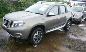 Nissan Terrano 2013 Kompakt-SUV Basis Dacia Duster Indien Premiere ungetarnt