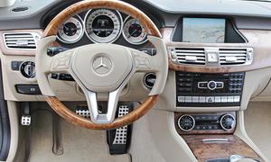Bilder 2013 Mercedes CLS 500 Shooting Brake 4MATIC Luxuslimousinen-Vergleich Cockpit Komfort