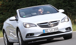 Opel Cascada 1.6 SIDI Turbo Bilder Vergleichstest Cabrios Technische Daten