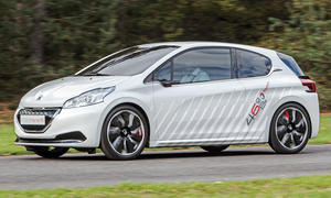 Peugeot 208 HYbrid FE Bilder technische Daten Fahrbericht