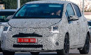 Erlkönig Toyota Yaris Facelift 2015 Neuheiten Prototyp