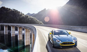 Aston Martin V8 Vantage N430 Genfer Autosalon 2014 Sondermodell