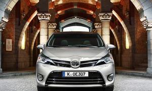Toyota Verso 1.6 D-4D 2014 Diesel Preis Van Familienauto Bilder BMW Motor