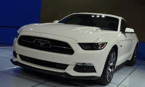 Ford Mustang GT Fastback Coupe 50 Year Limited Edition 2014 Sondermodell Muscle-Car Bilder Produktionsstart