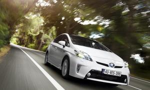 Toyota Hybrid Programm 2014 Prius Yaris Auris Hybride