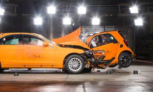 Video Smart Fortwo 2014 Crash Test Mercedes S Klasse