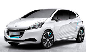 Peugeot 208 Hybrid Air 2L 2014 Pariser Salon Kleinwagen 2-Liter-Auto