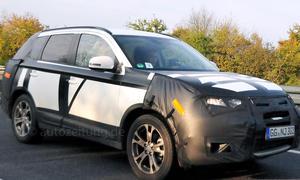 Mitsubishi Outlander Facelift 2015 Erlkönig 2014 SUV Neuheiten Prototyp Crossover PHEV