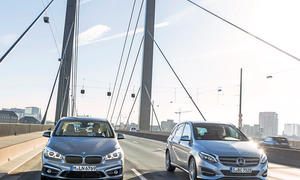 BMW 225i Active Tourer Mercedes B 250 Kompaktvans 2er AT B-Klasse Facelift Vergleichstest