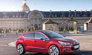 Citroen DS4 Pure Tech 130 2015 Kompaktklasse Crossover Dreizylinder Turbo Test Fahrbericht Bilder