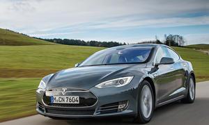 Tesla Model S P85D 2015 Elektroauto Limousine Sportwagen Viertürer Test Fahrbericht