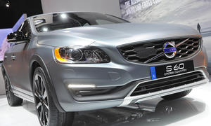 Volvo S60 Cross Country 2015 Detroit Crossover Limousine S60 CC