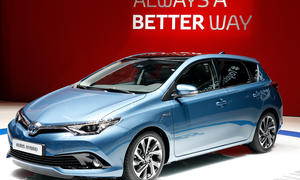 Toyota Auris 2015 Facelift Genfer Autosalon Hybrid Bilder Neuheiten