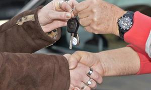 Gebrauchtwagen-Verkauf Probefahrt Vertrag Kfz-Versicherung Autokauf