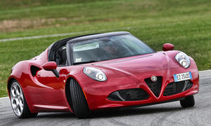 Alfa Romeo 4C Spider Fahrbericht Roadster Cabrio