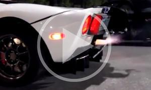 Ford GT spuckt Feuer