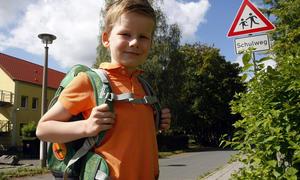 ABC-Schützen Schul-Anfänger Verkehr Autofahrer Rücksicht