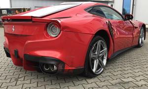 Gecrashter Ferrari F12: Verkauf