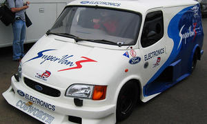 Ford Transit Supervan 3