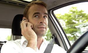 Härtere Strafen für Handy-Nutzung am Steuer