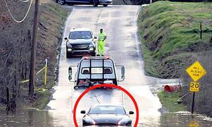 Aston Martin V8 Vantage auf Abwegen
