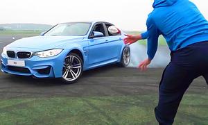 Wette mit BMW M3 und Rugby-Spielern