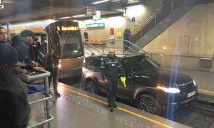 Range Rover Sport in der Brüsseler Metro