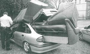 Renault Laguna: Kurioser Möbeltransport