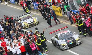 24h-Rennen Nürburgring 2015: Audi R8 LMS vor BMW Z4 GT3