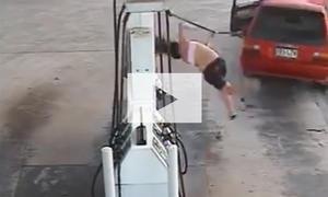 Fail beim Benzindiebstahl: Video
